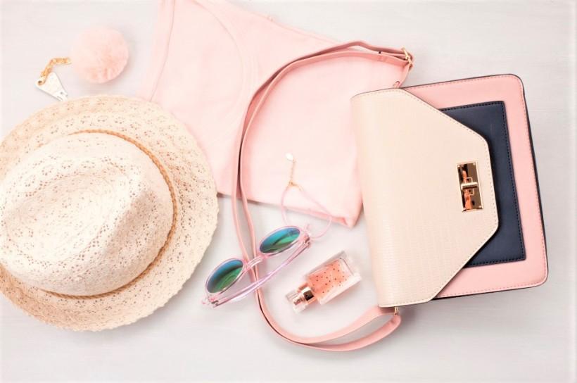Produits cosmétiques à glisser dans son sac à main